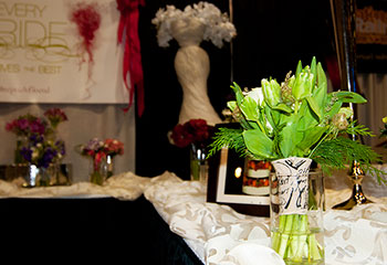 Wedding Flowers At The Green Bay Show